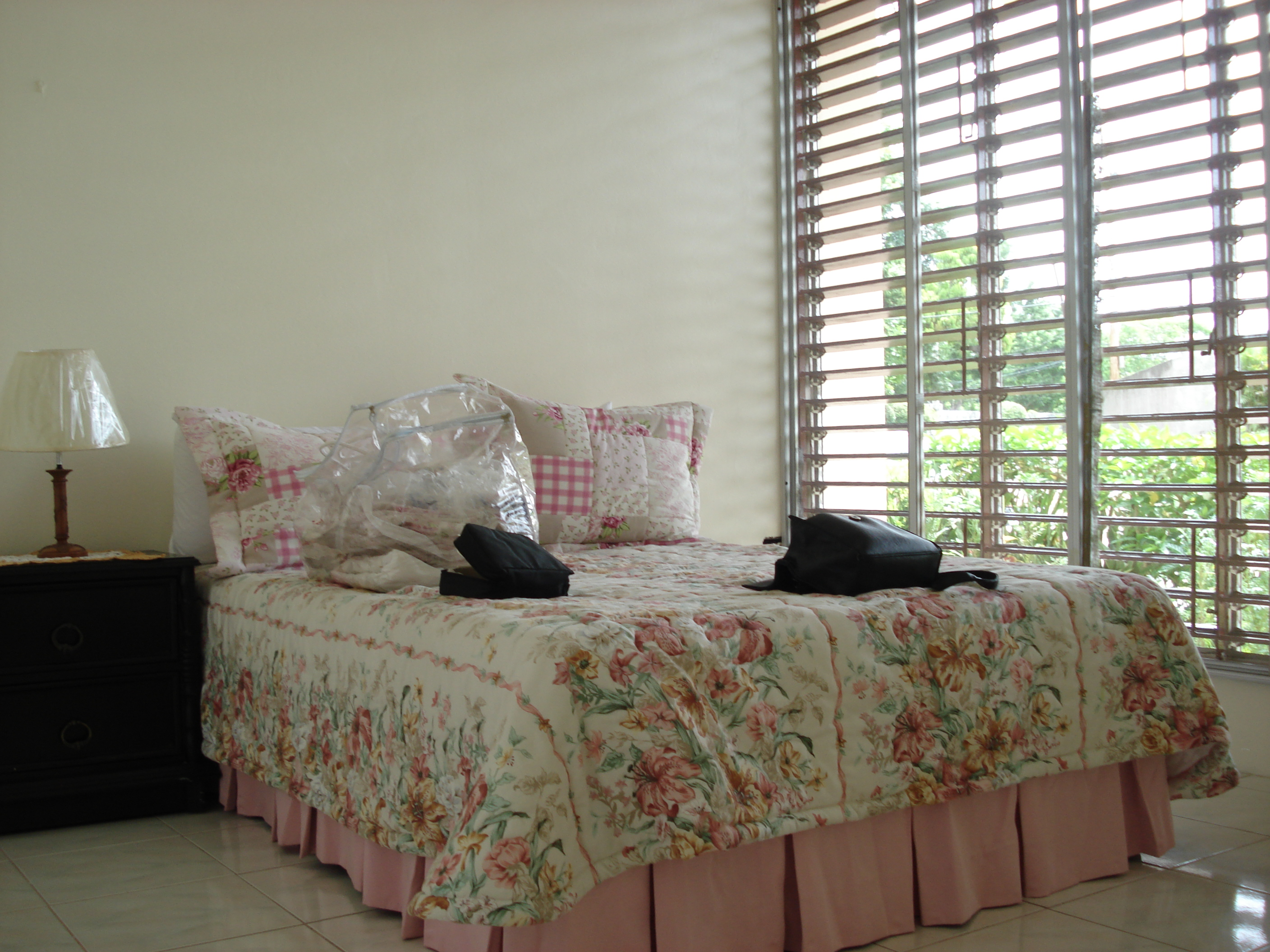 Bedroom 2 With Floor To Ceiling Louvre Windows Kingston Holiday Rentals